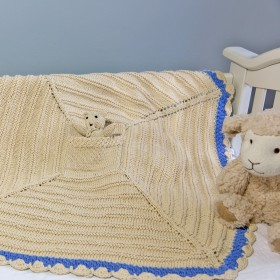 Empress Arts Knit Blanket With Bear - Light Blue