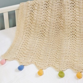 Empress Arts Pom-Pom Blanket